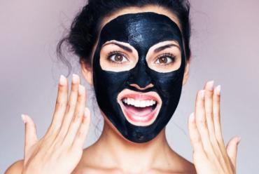 Peeling cosmetico con Carbon Mask